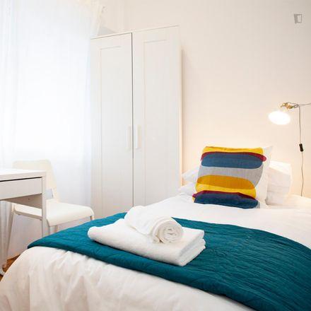 Rent this 6 bed room on Auditório Municipal da Póvoa de Santo Adrião in Rua Padre José Anchieta, 2660-208 Póvoa de Santo Adrião e Olival Basto