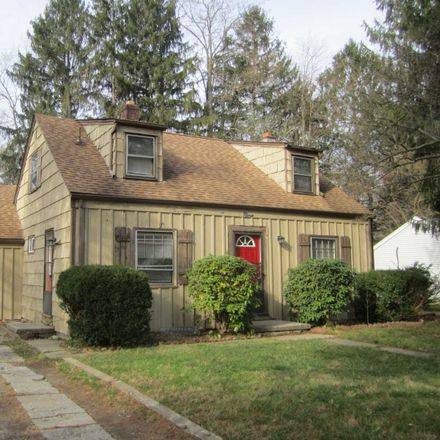 Rent this 2 bed house on 9 Red Barn Road in Hyde Park, NY 12538