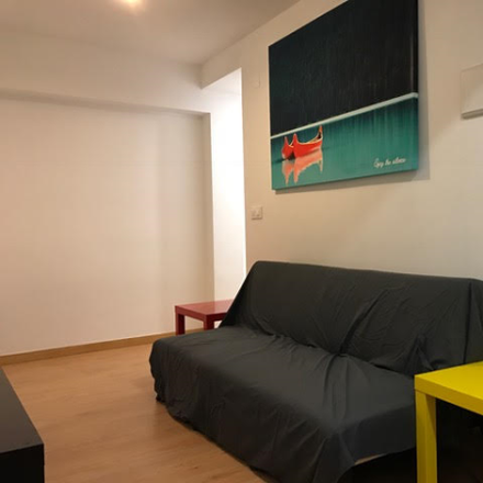 Rent this 5 bed apartment on Carrer de Berenguer Montoliu in 13, 46011 Valencia