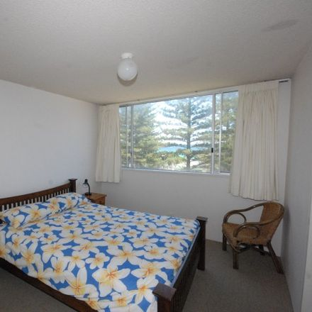 Rent this 3 bed apartment on 2/100 The Esplanade