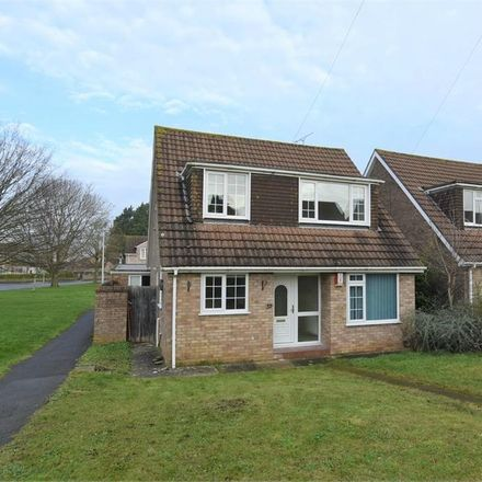 Rent this 3 bed house on Fosse Way in Nailsea BS48 2BG, United Kingdom