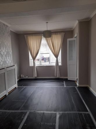 Rent this 3 bed house on Pelham Avenue in London IG11 9SL, United Kingdom
