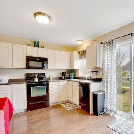 Rent this 3 bed condo on 62 Country Field Court in O'Fallon, MO 63367
