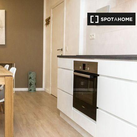 Rent this 2 bed apartment on Avenue Michel-Ange - Michel Angelolaan 70 in 1000 Ville de Bruxelles - Stad Brussel, Belgium