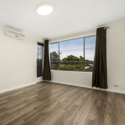 Rent this 2 bed apartment on 9/8 Newstead Street