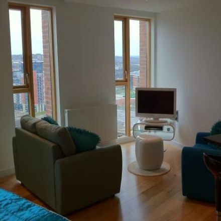 Rent this 0 bed loft on Candle House in Wharf Approach, Leeds LS1 4GJ