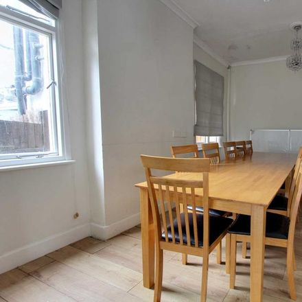 Rent this 5 bed house on Cobham Road in Southend-on-Sea SS0 8EB, United Kingdom