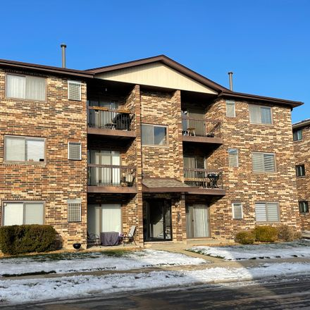 Rent this 2 bed townhouse on 9104 Lincoln Court in Orland Park, IL 60462
