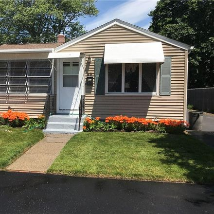 Rent this 3 bed house on 28 Benedict Street in Pawtucket, RI 02861