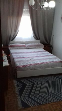 Rent this 3 bed room on Calle de Francisco del Pino in 28001 Madrid, Spain