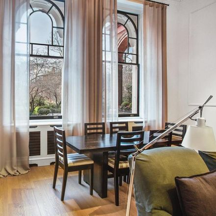 Rent this 1 bed apartment on Cadogan Square Garden in Cadogan Square, London SW1X 0JX