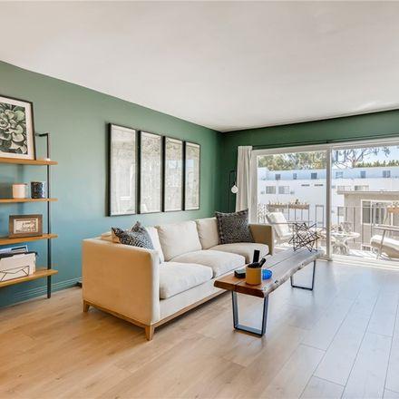 Rent this 1 bed condo on Weddington St in Van Nuys, CA