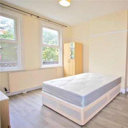 Rent this 5 bed apartment on Korkmaz Food Centre in 363-365 Holloway Road, London N7 8JE