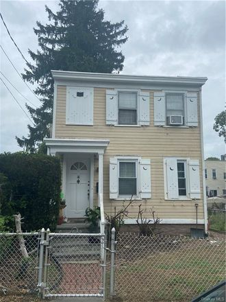 Rent this 3 bed house on 109 South 13th Avenue in Mount Vernon, NY 10550