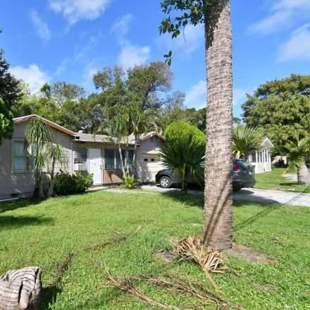 Rent this 2 bed house on 1011 South 13th Street in Fort Pierce, FL 34950
