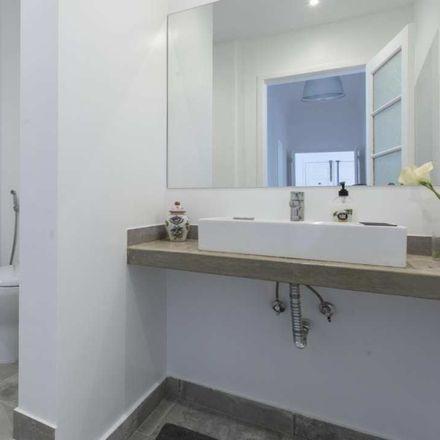 Rent this 5 bed room on Pastelaria Madrid in Avenida de Madrid, 1000-195 Lisbon