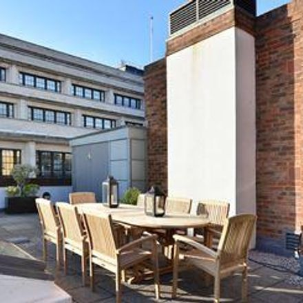 Rent this 3 bed apartment on Le Pain Quotidien in 9 Young Street, London W8 5EH