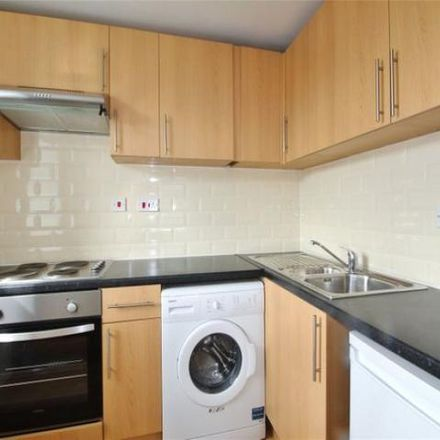 Rent this 2 bed apartment on Richmond Court in Richmond Dale, Bristol BS8 2UX