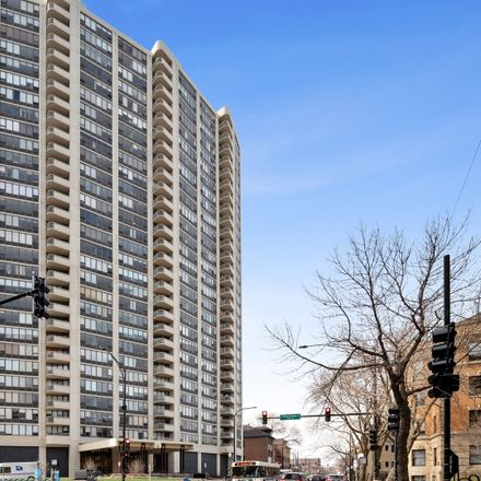 Rent this 1 bed condo on Lake Park Plaza in 3930 North Pine Grove Avenue, Chicago