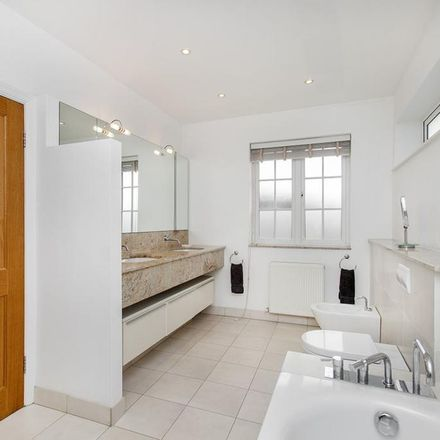 Rent this 5 bed house on Basing Hill in London NW11 8TG, United Kingdom