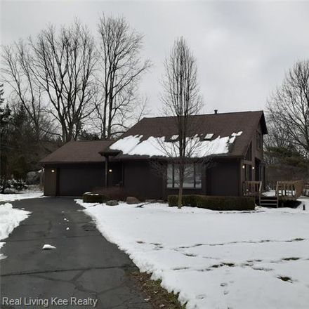 Rent this 4 bed house on 1036 Walnut Grove Drive in Rochester Hills, MI 48306