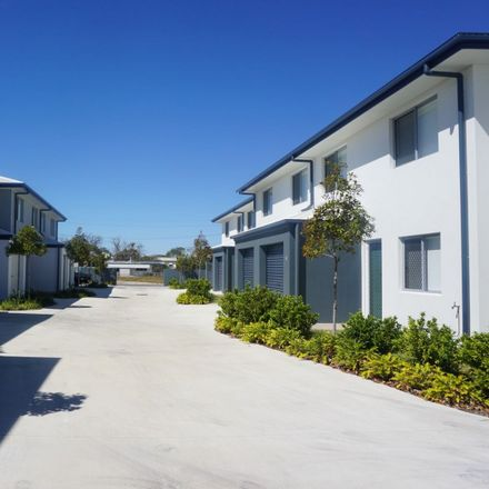 Rent this 3 bed apartment on 18/6 Brisbane Street