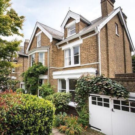 Rent this 6 bed house on Queen's Church of England primary school in Cumberland Road, London TW9 3HJ
