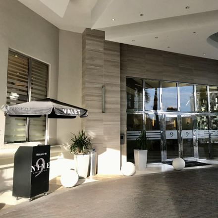 Rent this 3 bed condo on SW 1st Ave in Miami, FL