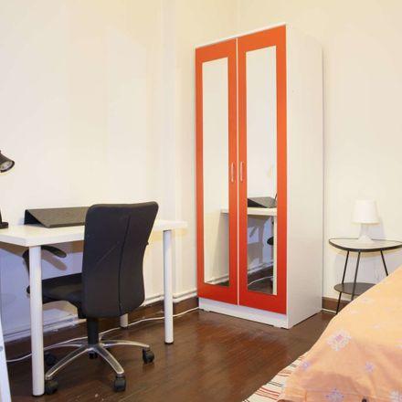 Rent this 3 bed room on Eskişehir Mahallesi in Değirmen Sk. No:96, 34375 Şişli/İstanbul
