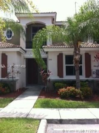 Rent this 3 bed condo on NW 42 Pl in Pompano Beach, FL
