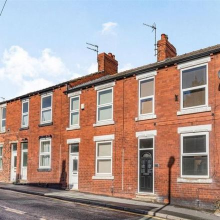Rent this 2 bed house on The Kings Arms in 37 New Street, Horbury