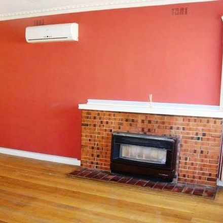 Rent this 3 bed house on 12 Stanley Avenue
