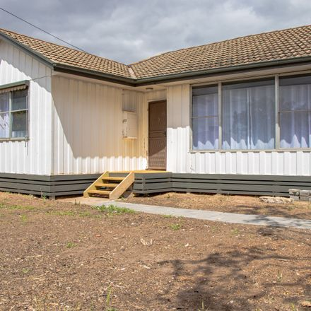 Rent this 3 bed house on 33 Winifred Street