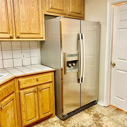 Rent this 2 bed duplex on 824 West Lamberth Road in Sherman, TX 75092