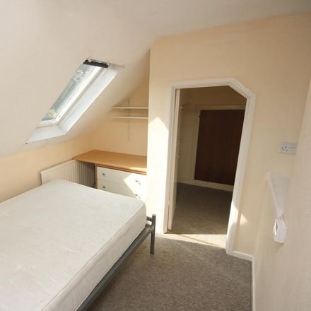 Rent this 5 bed house on Maxwell Road in Bournemouth BH9 1DQ, United Kingdom