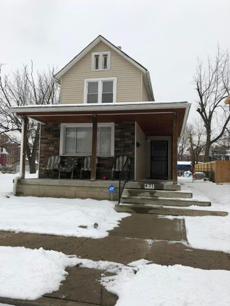 Rent this 3 bed house on 471 South Champion Avenue in Columbus, OH 43205
