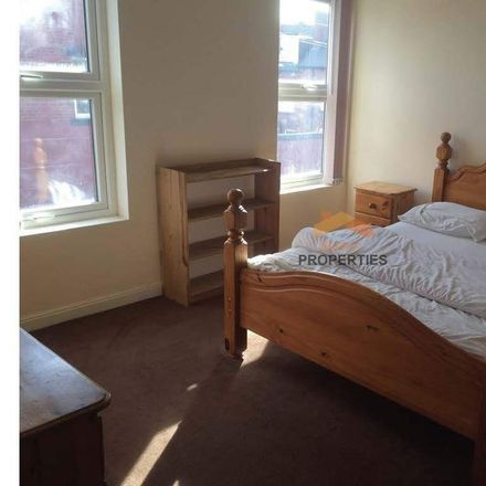 Rent this 4 bed room on Back Albert Terrace in Leeds LS6 1QL, United Kingdom