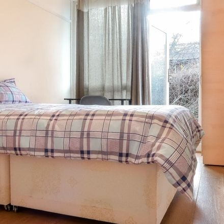 Rent this 5 bed apartment on Mirabel Road in London SW6 7EQ, United Kingdom