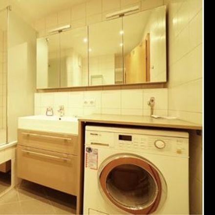 Rent this 2 bed apartment on Widerhoferplatz 2 in 1090 Vienna, Austria