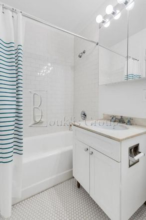 Rent this 1 bed apartment on 45 Wall Street in New York, NY 10005