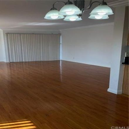 Rent this 2 bed condo on 106 Loma Avenue in Long Beach, CA 90803