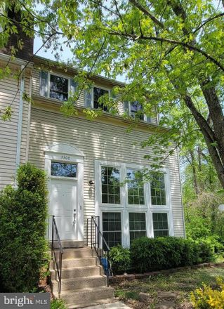 Rent this 3 bed townhouse on 3300 Buckeye Lane in Chantilly, VA 22033