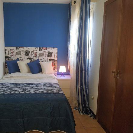 Rent this 3 bed room on Calle Barberán y Collar in 9, 28805 Alcalá de Henares