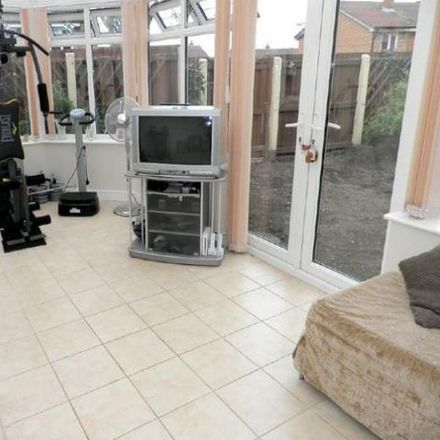 Rent this 3 bed house on Merlin Close in East Staffordshire ST14 8BZ, United Kingdom