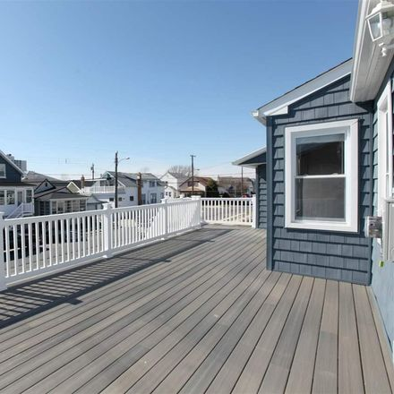 Rent this 4 bed house on 115 North Somerset Avenue in Ventnor City, NJ 08406