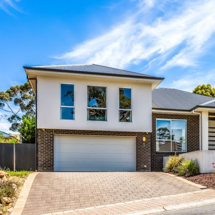 Rent this 5 bed house on 5 Cochrane Street