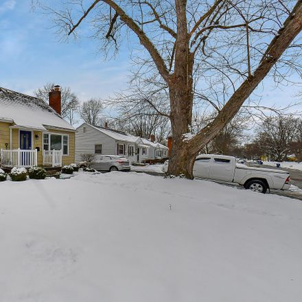 Rent this 3 bed house on 213 Weisheimer Road in Columbus, OH 43214