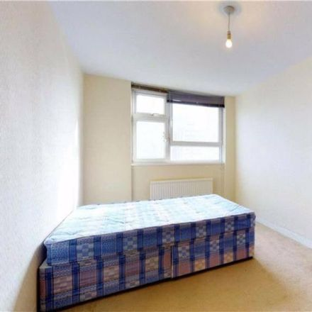 Rent this 2 bed house on Peregrine House in Hall Street, London EC1V 7AL