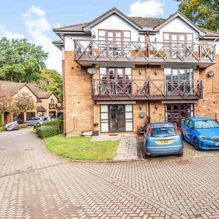 Rent this 2 bed apartment on Upper Village Road in Sunninghill SL5 7AQ, United Kingdom