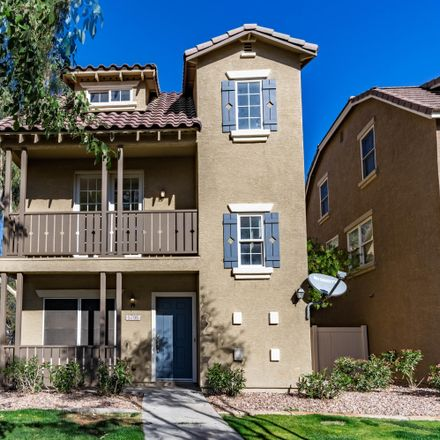 Rent this 3 bed townhouse on 5706 South 21st Place in Phoenix, AZ 85040